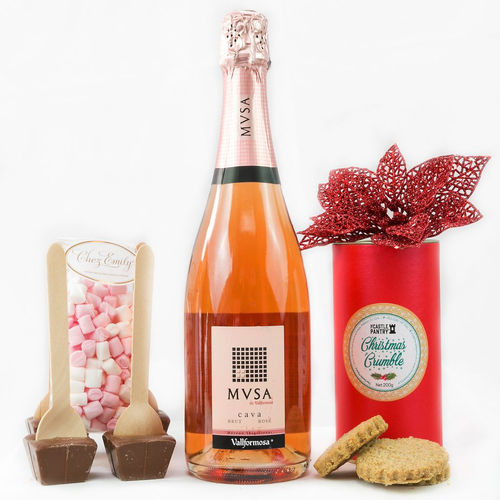 Erins Christmas Morning Hamper with Cave Rose, Hot Chocolate Drink, Caramels, Cookies & Marshmallows.
